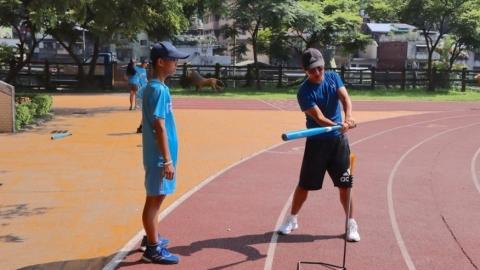 瑞芳國小Teeball棒球隊 磨練學生細心與耐心