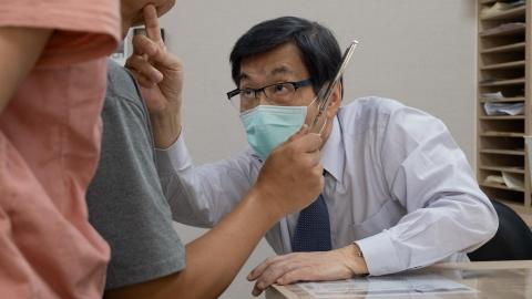 他曾改寫國際整外教科書,如今擔心台灣未來沒醫師開刀──魏福全看見的健保價值和困境