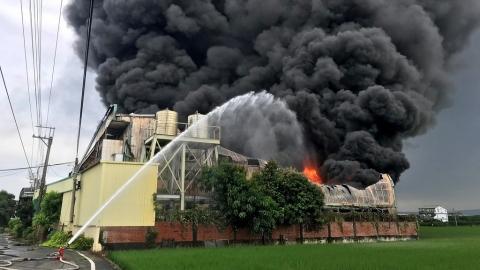 農地違章工廠又火起 環團:「低污」仍有災害風險 籲農工分離