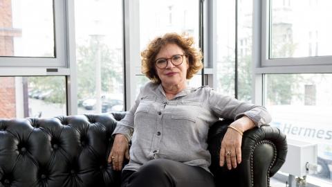 教德國政府用教育抵擋仇恨和歧視──卡哈娜:民主需要相信的勇氣