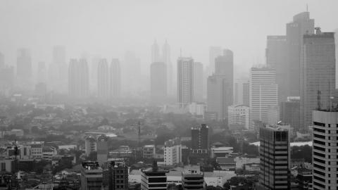 東南亞空氣最差城市雅加達有救了? 公民訴訟獲勝 印尼法院判總統「環境過失罪」